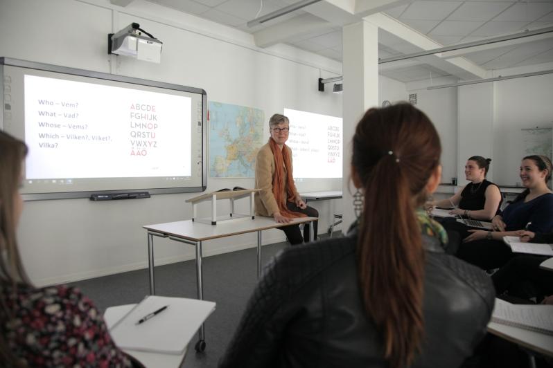 Madeleine_Teaching