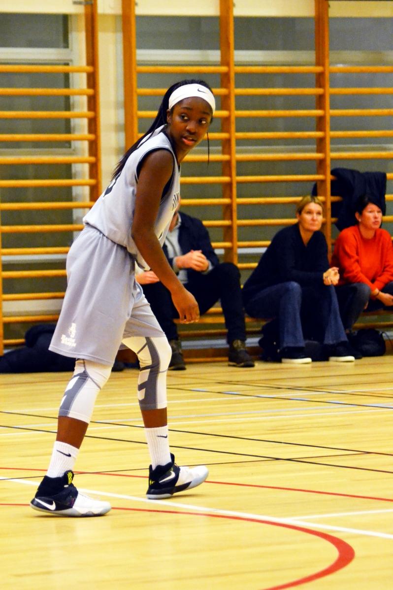 FA17_STO Kayla Basketball Game_Kungsholmen_Zoe Chodak (7).JPG